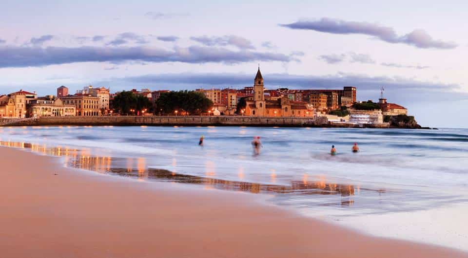 Llegamos a la capital de la costa verde: Gijón.