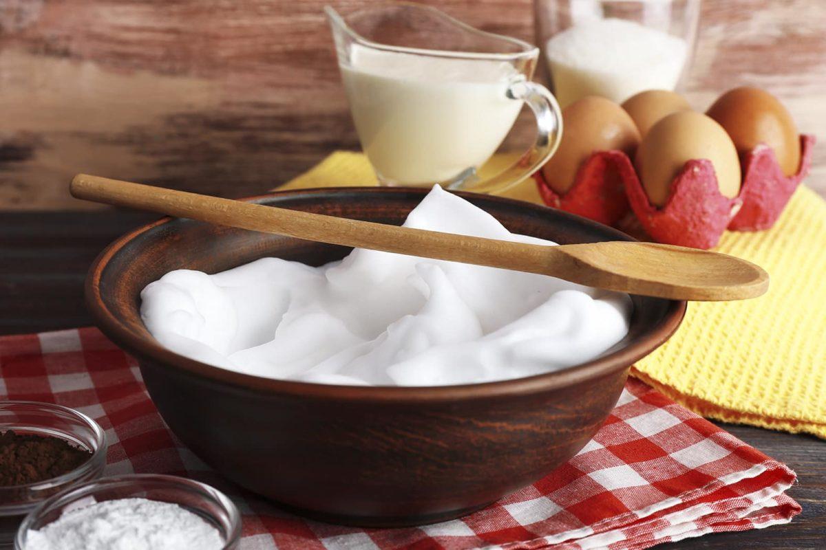 Desayuno nutritivo. Tortilla de claras con avena.