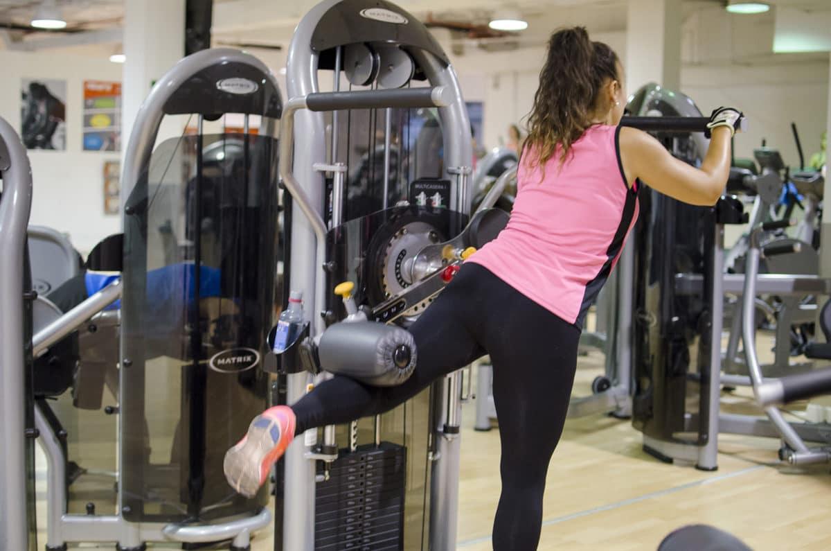 Chicas, a la sala fitness!!