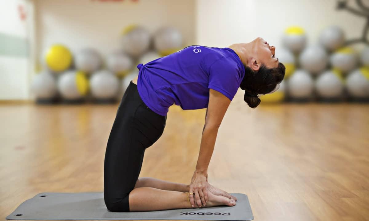 Yoga: Ustrasana o postura del camello