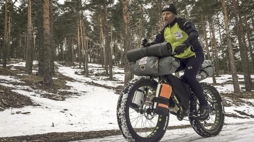 El aventurero Antonio de la Rosa hará la Iditarod en fatbike.