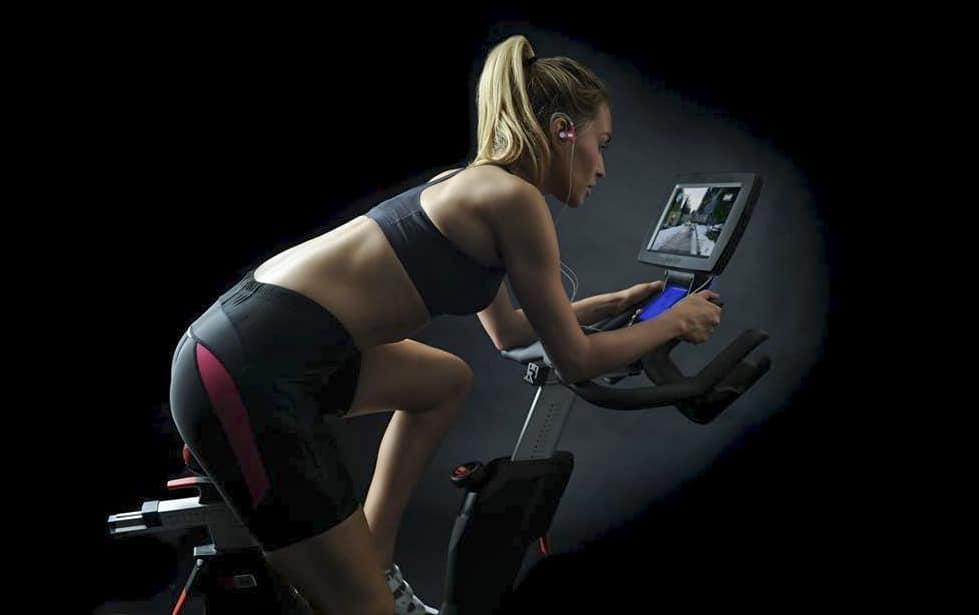 Ajusta tu bici de ciclo indoor y evita lesiones.