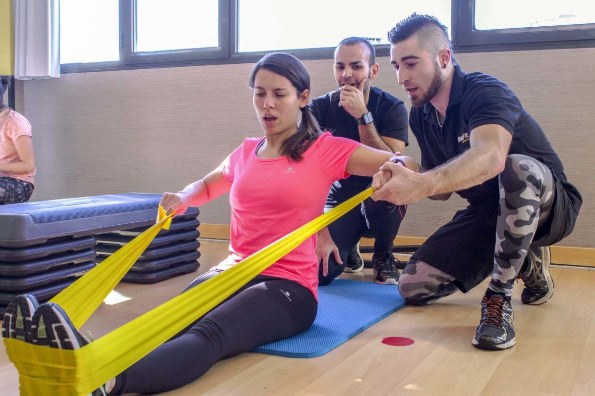 Realiza ejercicio físico saludable y comprometido.