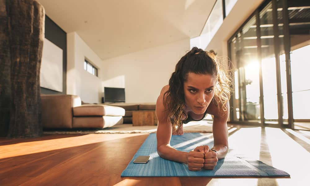 Ejercicios para entrenar en casa. Sigue activo en vacaciones. (II)