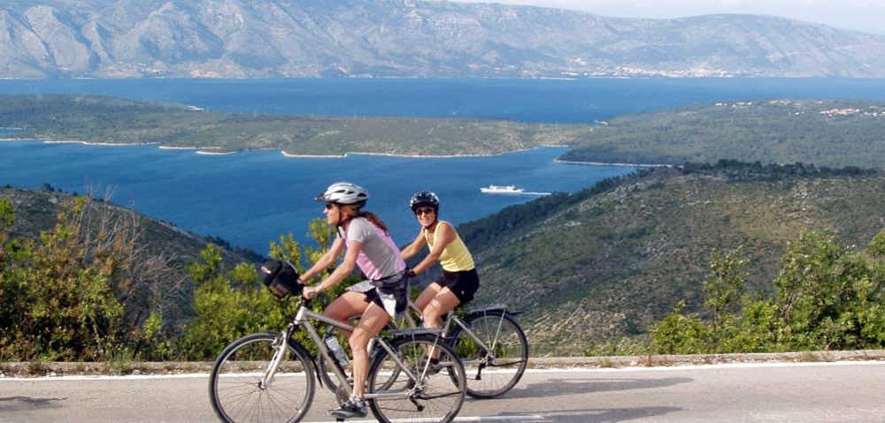 Croacia, la perla del Adriático, también se puede recorrer en bicicleta.