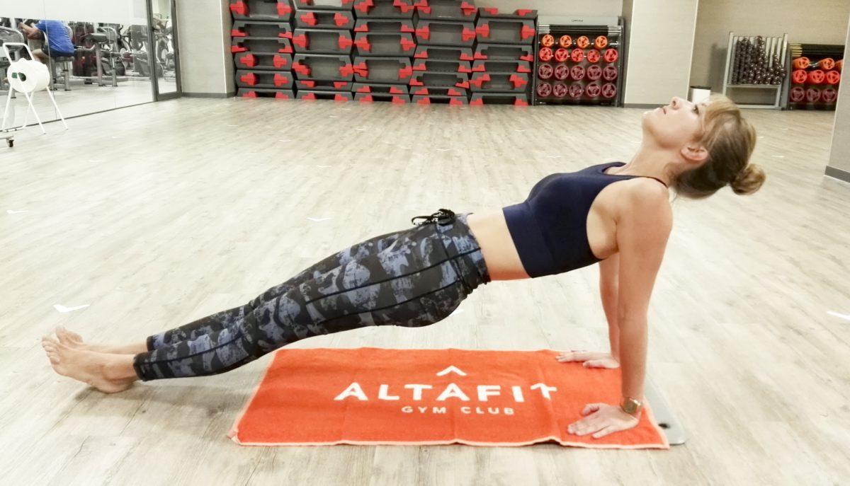 Ejercicios de yoga para cuidar tu espalda