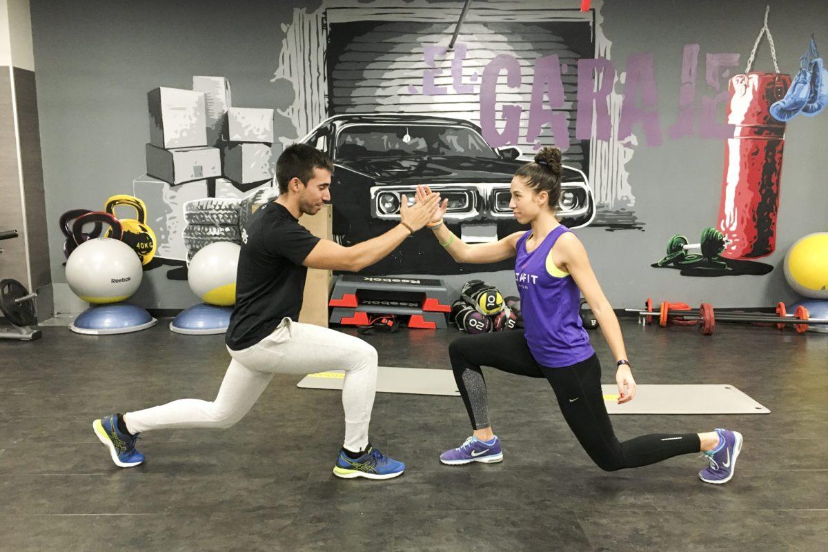 8 ejercicios para entrenar en pareja